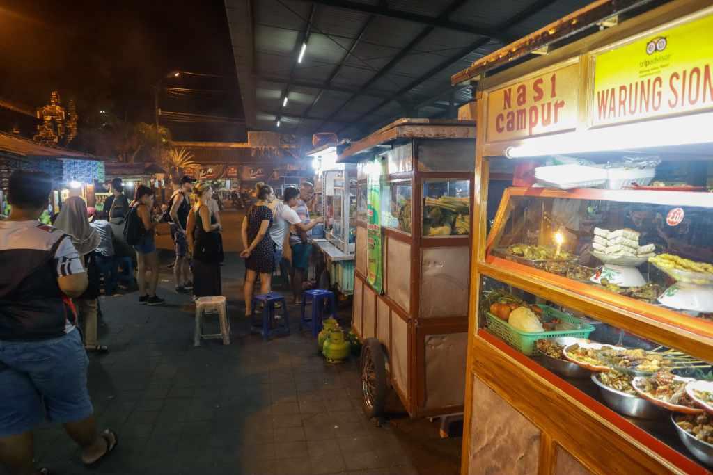 pasar sindu night market sanur