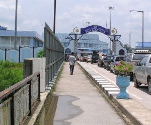 Crossing Thailand-Malaysia border