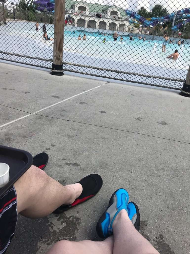 Hershey Park - relaxing by the wave pool