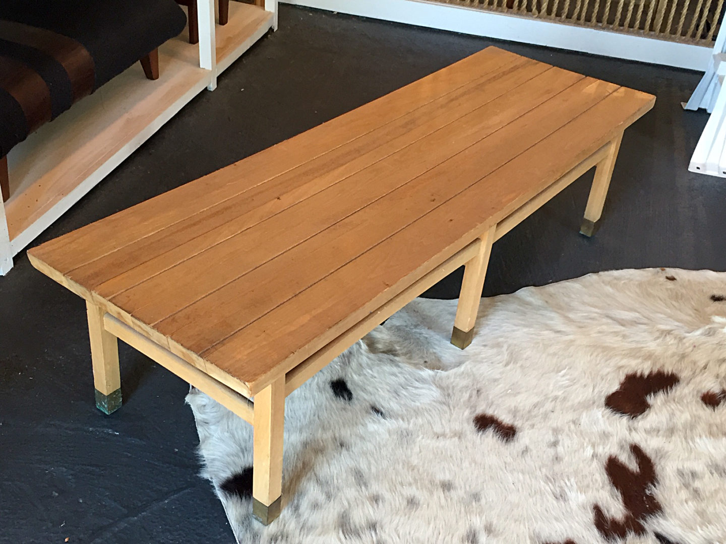 turn an old coffee table into stylish