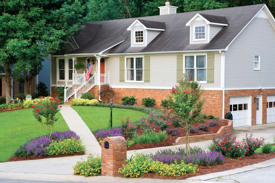 5 Curb Appeal Tips  The Honeycomb Home