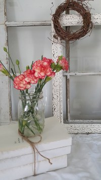 Decorating With Spring Flowers - The Honeycomb Home