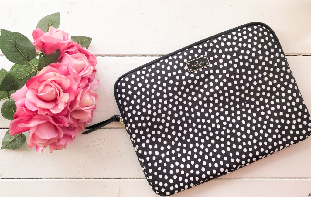 Laptop Sleeve - Stationary Must-Haves For College at the Honey Scoop