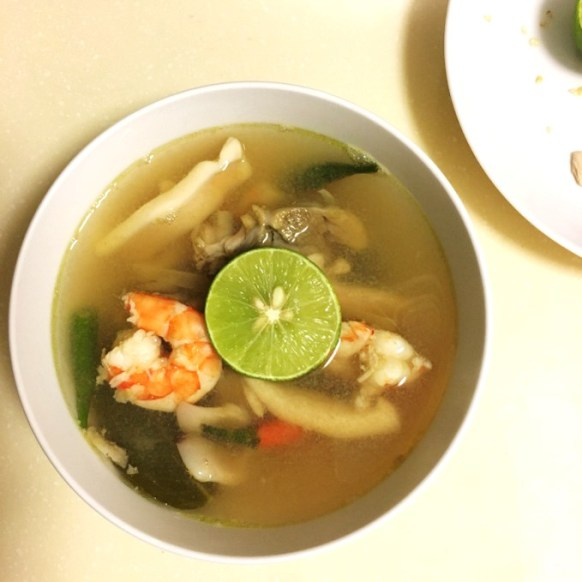 quick and easy seafood tom yum soup recipe