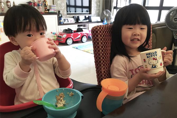 children drinking fresh milk singapore