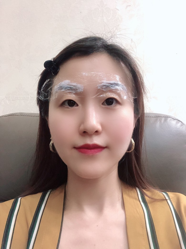 apply numbing cream before eyebrow embroidery review