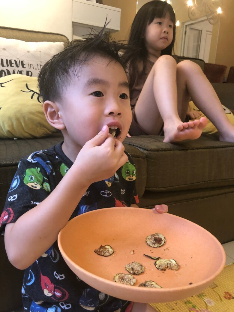 singapore kids eat baked zucchini chips