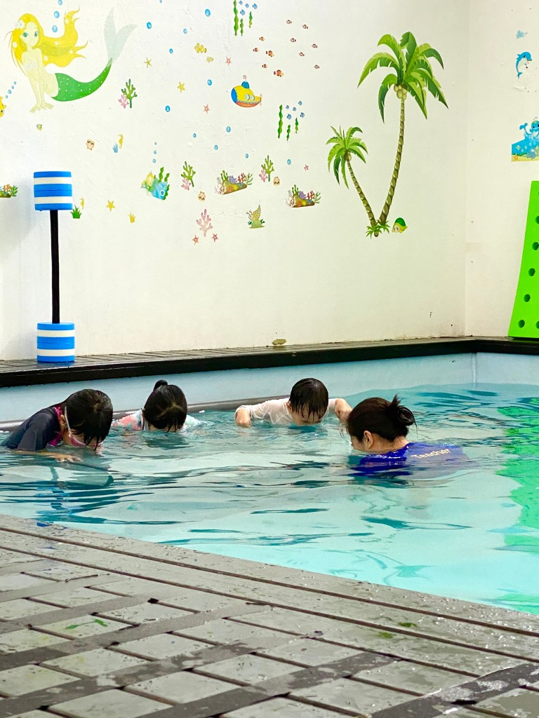 review swimming lessons for kids