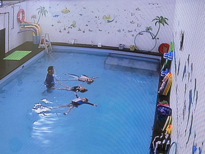 floating in water swimming lessons for kids