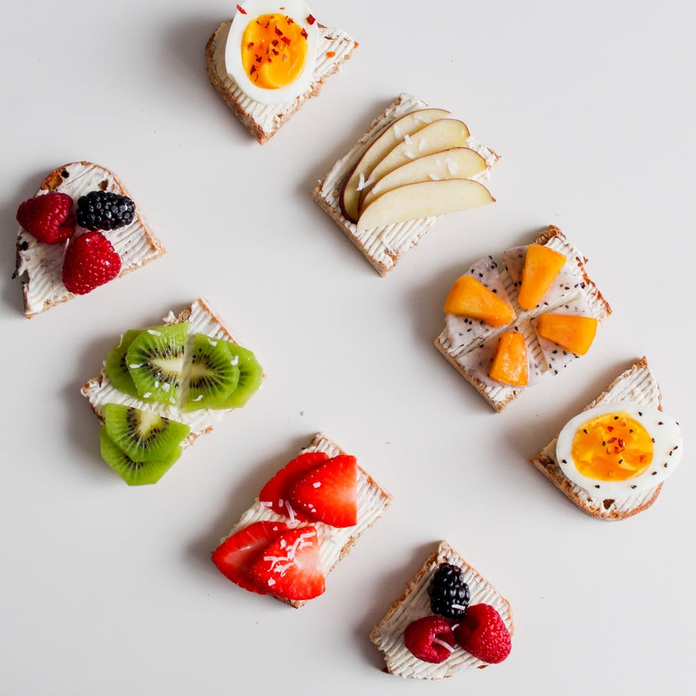easy summer time meal, fruit and crackers