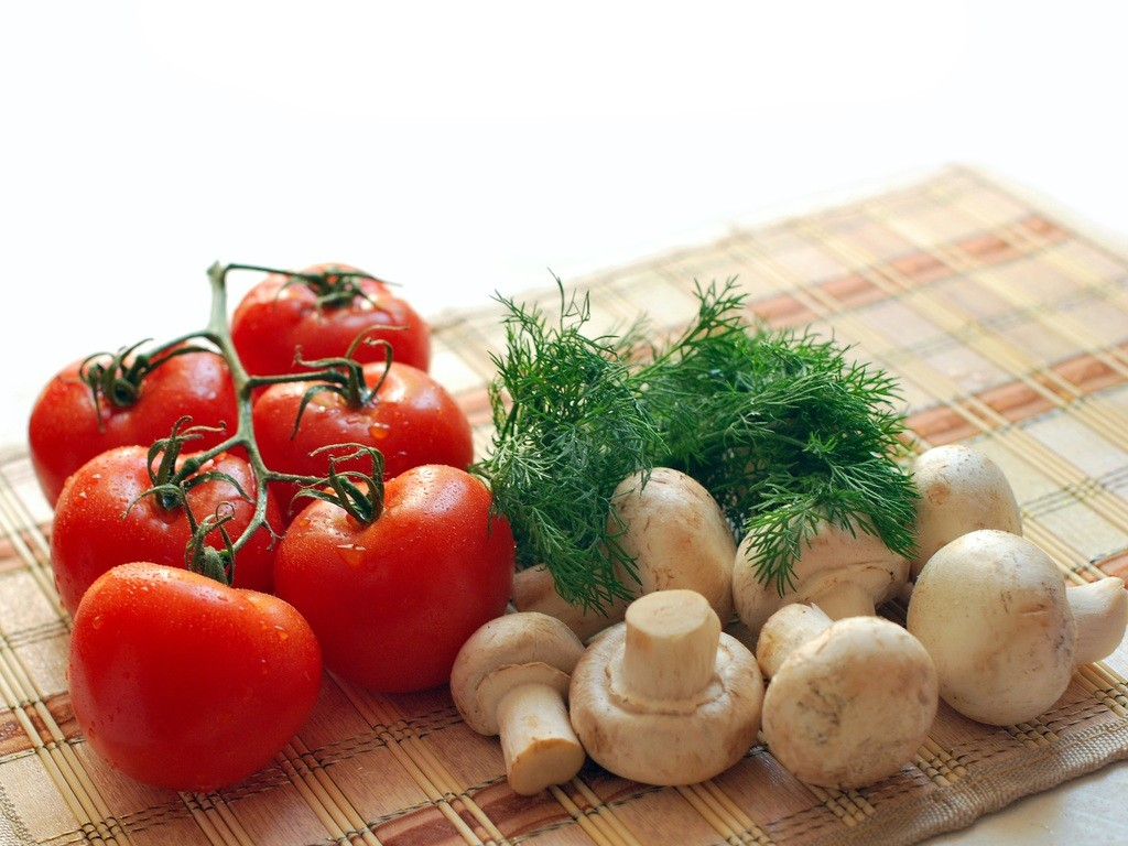 Tomatoes, mushrooms, Parsley