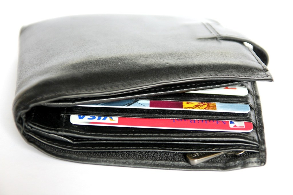 Bulky wallet cause back pain