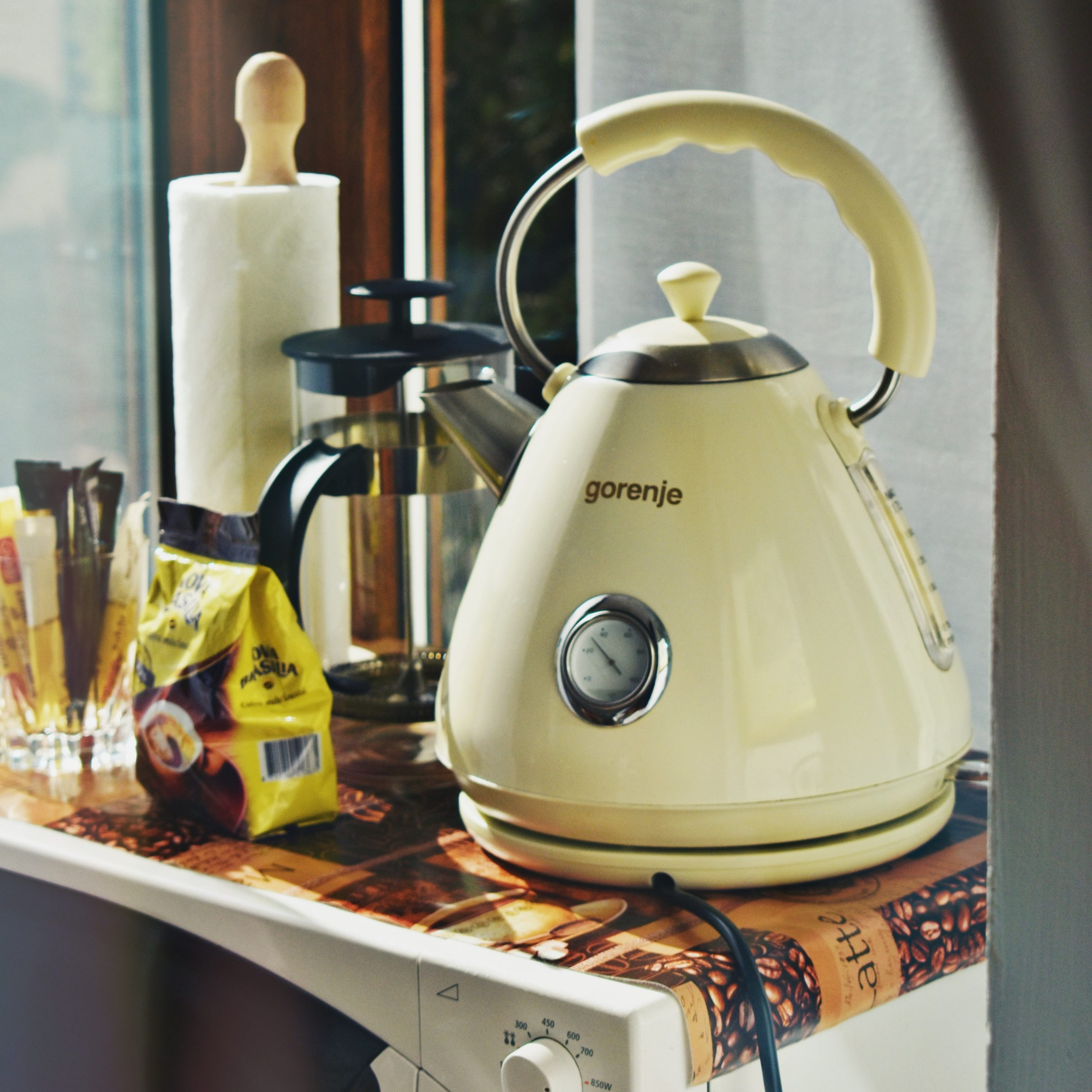 Small kitchen appliances that save me time and my sanity, electric kettle