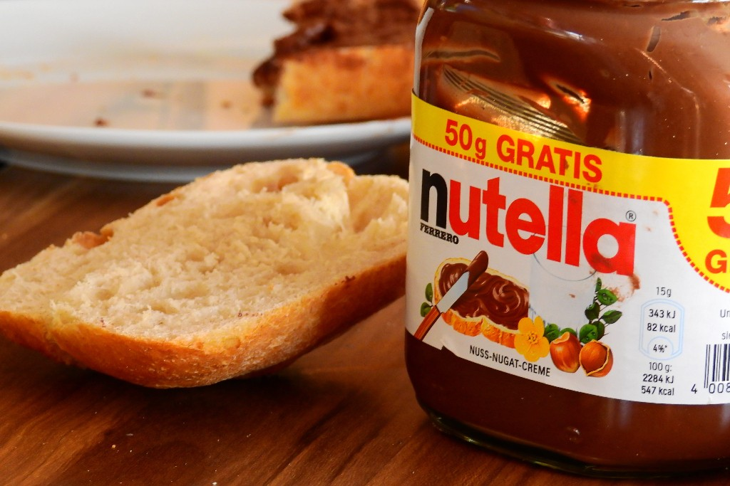 Modern Food Nutella and bread