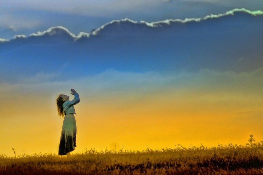Woman seek guidance of God