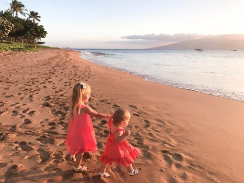 Traveling to Maui with Kids, traveling with children, Hawaii Guide, Kaanapali Beach, golden hour