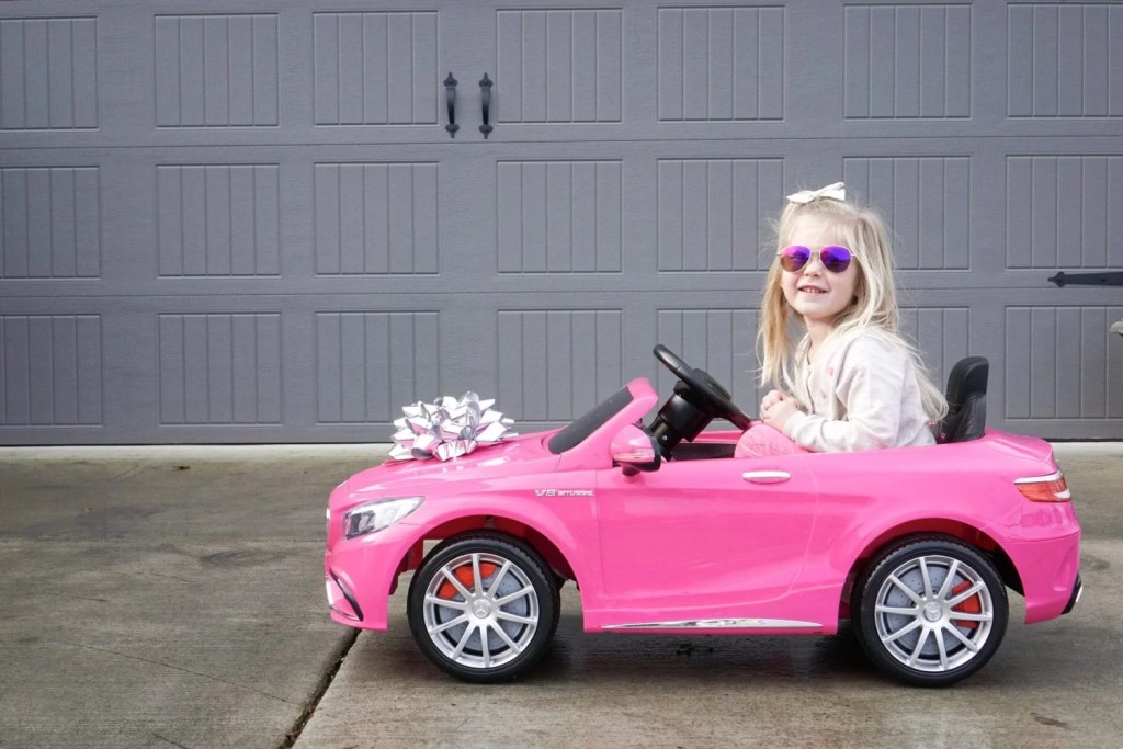 Gift Ideas, Pink Electric Car, Remote Control Car, Cars for Toddlers, Toys, Toy Ideas for kids, toy mercedes benz, ride on car