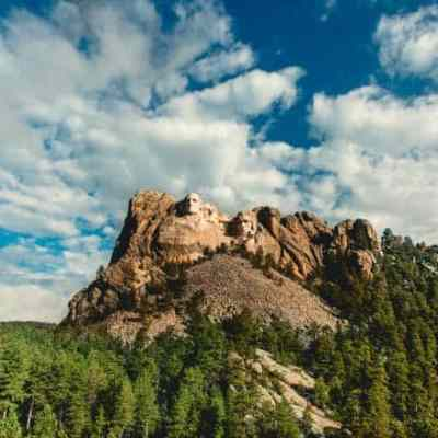 Travel Guide: South Dakota