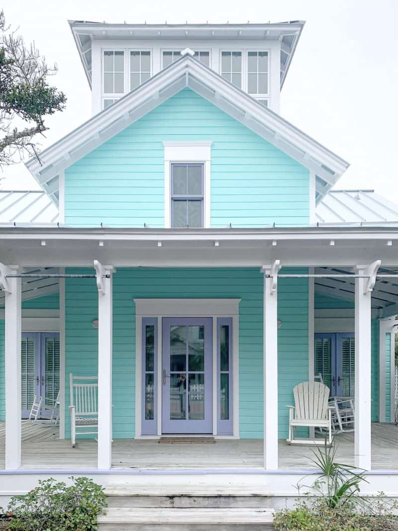 The Ultimate 30A Travel Guide for Families featured by top US travel blog, House of Navy: image of Pastel House in Florida