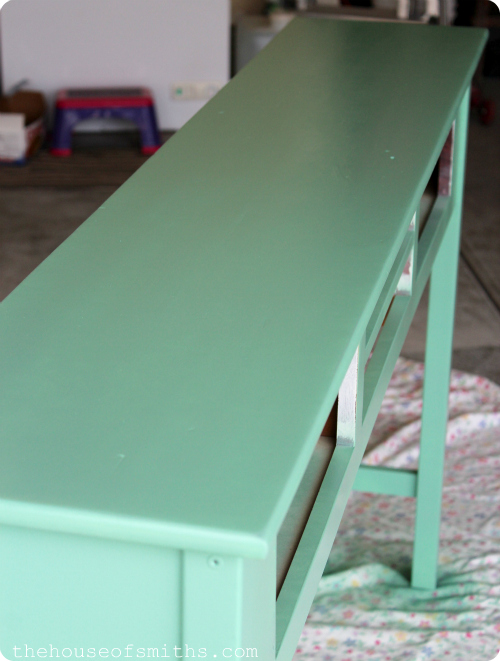 Entryway Table Redo - jade furniture - how to spray paint furniture - thehouseofsmiths.com
