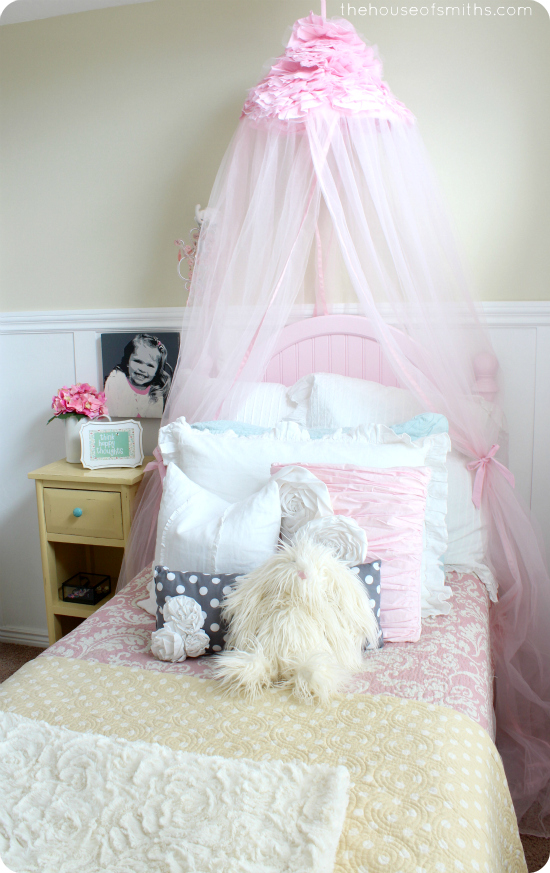 Girly Bedroom Reveal - thehouseofsmiths.com