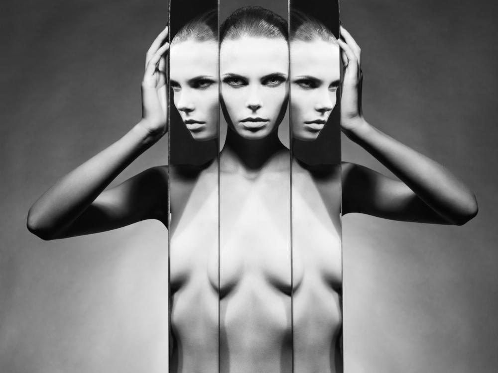 Mirror, Mirror… Gemini Full Moon Tarot Spread.