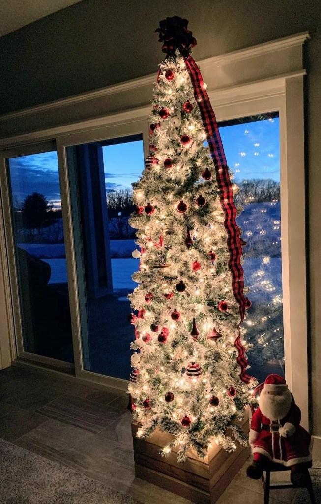 DIY Scrap Wood Christmas Tree Stand Crate