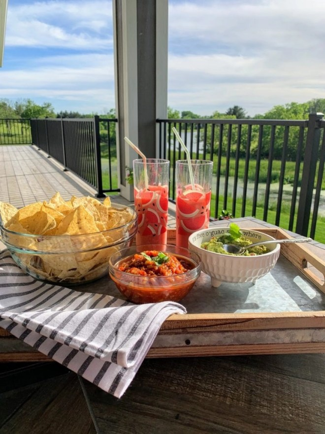 Slow Cooker Restaurant Style Garden Salsa for happy hour at home.