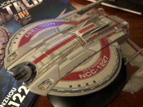 The traditional aztec plating has been updated for the STAR TREK: DISCOVERY vessels.