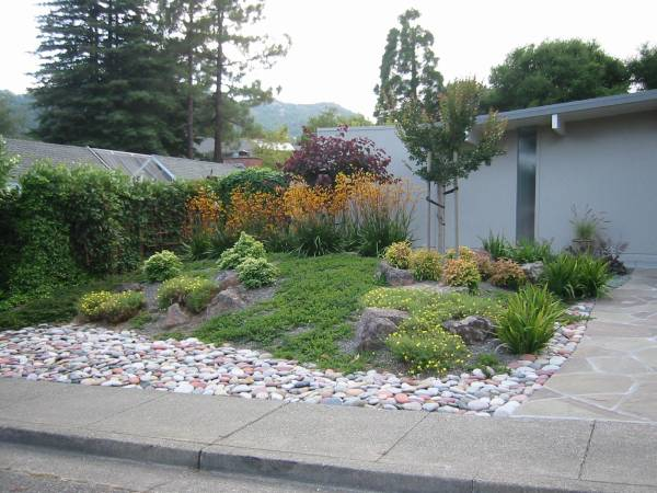 ideas slope landscaping
