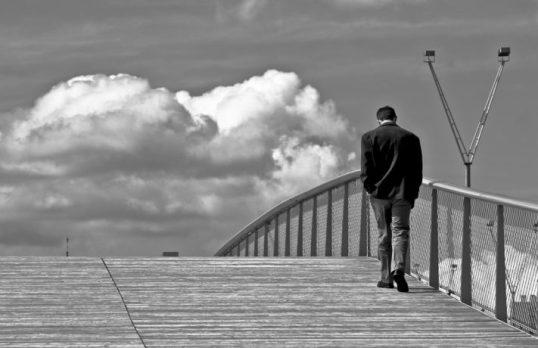 lonely-man-bridge-by-Stefano-Corso-711x460