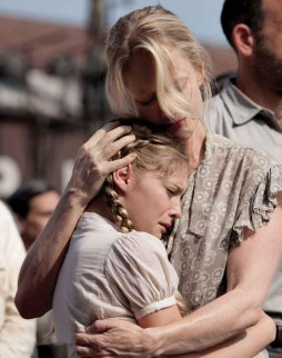 Movie Still: Prim & Her Mother at The Reaping