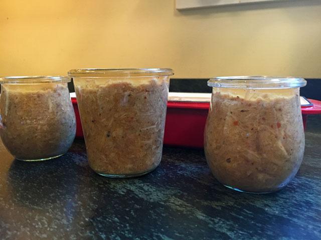 Ciccioli in jars