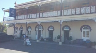 pic of front of pub