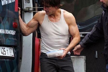 Tom-Cruise-Muscle-building-workout