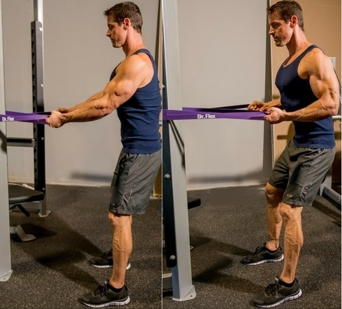 man doing standing row exercise