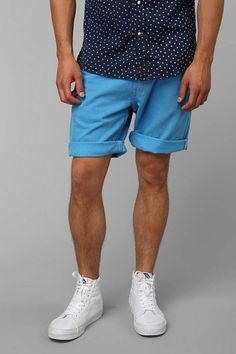 cuffed shorts outfit trending men