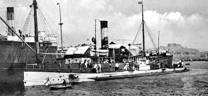 U-35-while-at-Cartagena-port-NT-110814