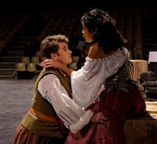 A shepherd and shepherdess find love in La naissance d'Osiris