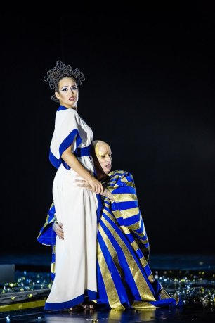 Gemmira (Nadine Sierra) and Eliogabalo (Franco Fagioli) © Agathe Poupeney