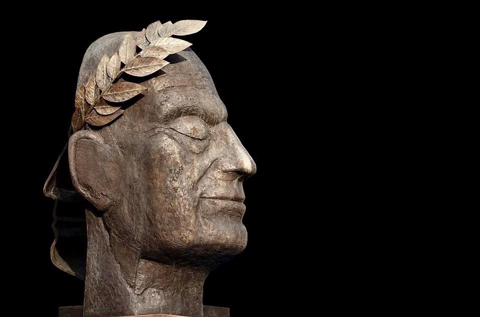 Understanding Genes, Decadence, and the Decline of Empires