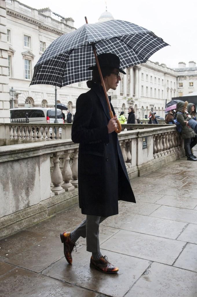 london-street-style-fashion-week-day-1-february-2014-the-impression-theimpression-025