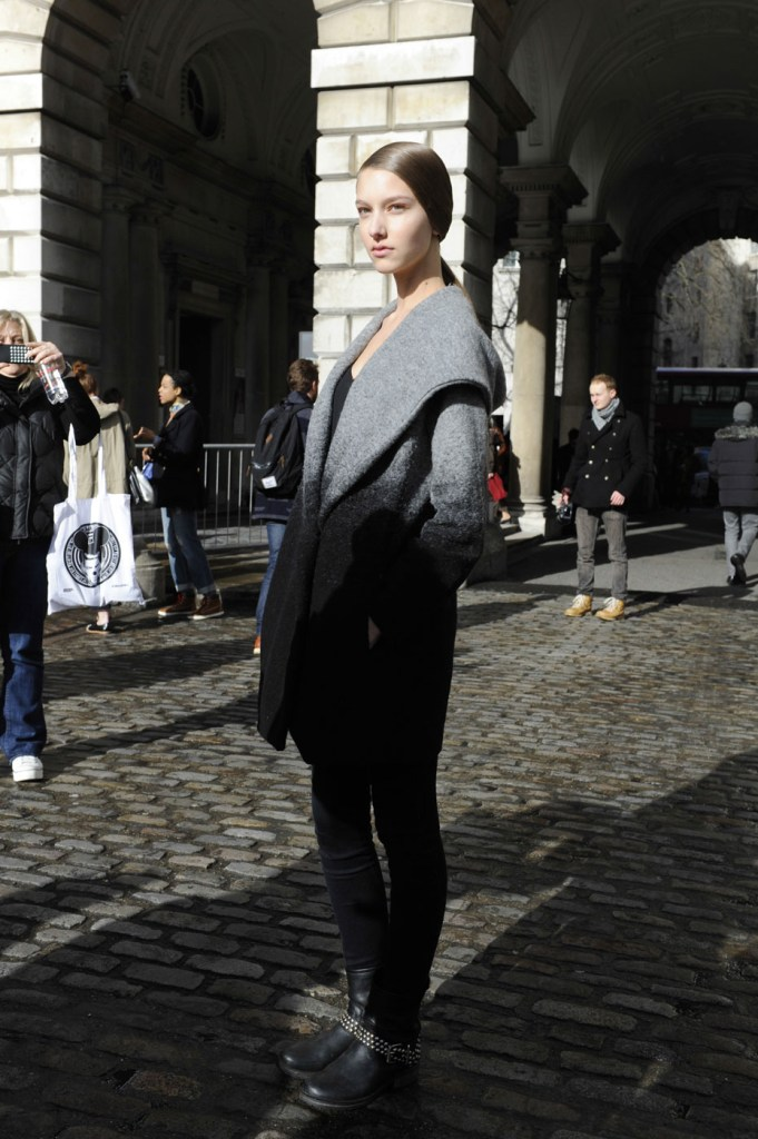 london-street-style-fashion-week-day-2-february-2014-the-impression-theimpression-015