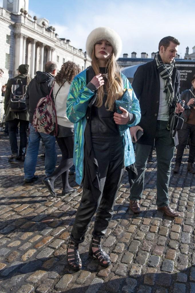 london-street-style-fashion-week-day-2-february-2014-the-impression-theimpression-021