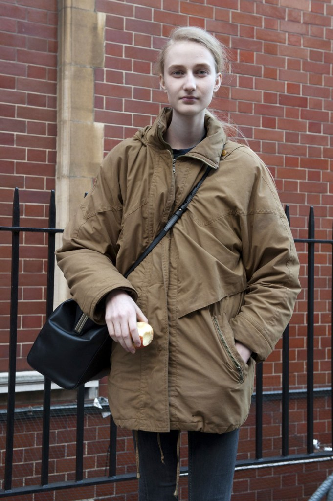 london-street-style-fashion-week-day-2-february-2014-the-impression-theimpression-023