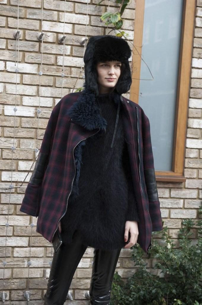 london-street-style-fashion-week-day-3-february-2014-the-impression-theimpression-034