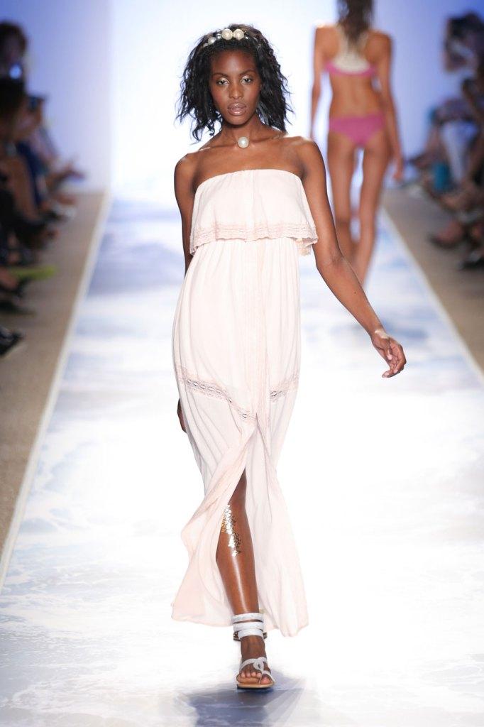 l-space-swimwear-fashion-runway-show-the-impression-spring-2015-043