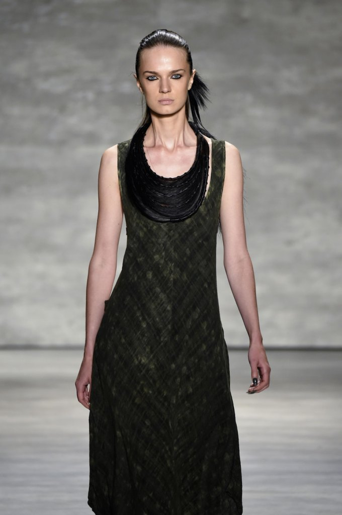 Nicholas-K-spring-2015-runway-fashion-show-the-impression-002