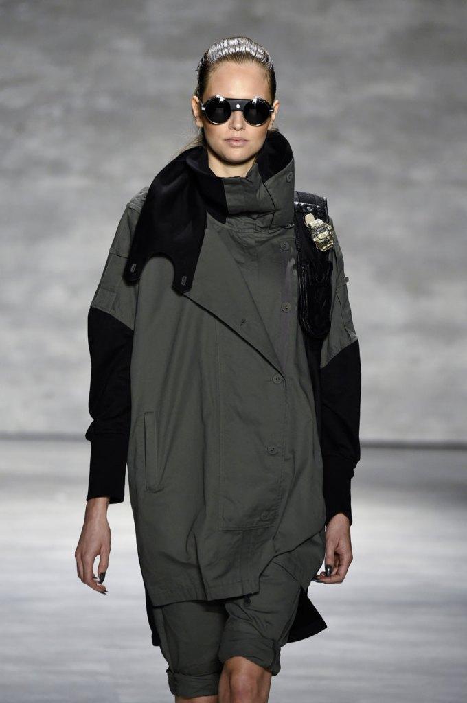Nicholas-K-spring-2015-runway-fashion-show-the-impression-020