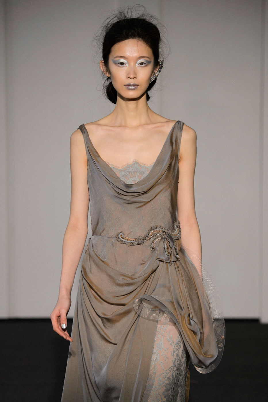 Busardi-fashion-runway-show-haute-couture-paris-spring-2015-the-impression-23